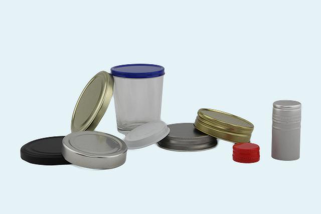 Sluitingen in Tinplate en Aluminium